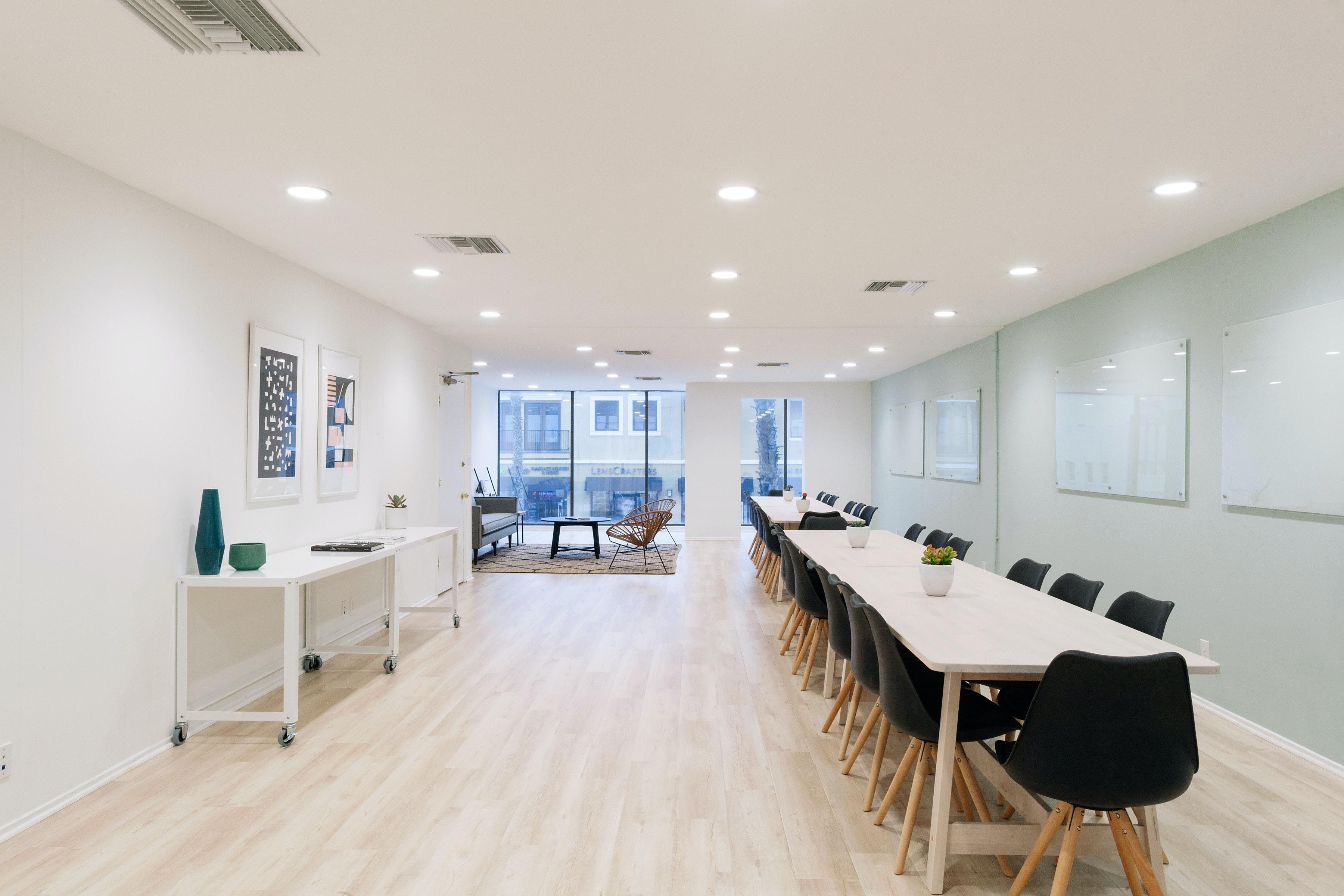 meetup space at 320 Wilshire Blvd ,Los Angeles